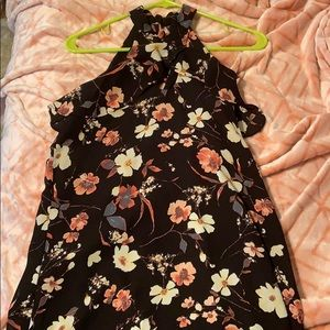 Flowing floral summer dress NWT